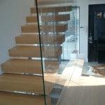 Ścianki szklane przechodzące w balustradę