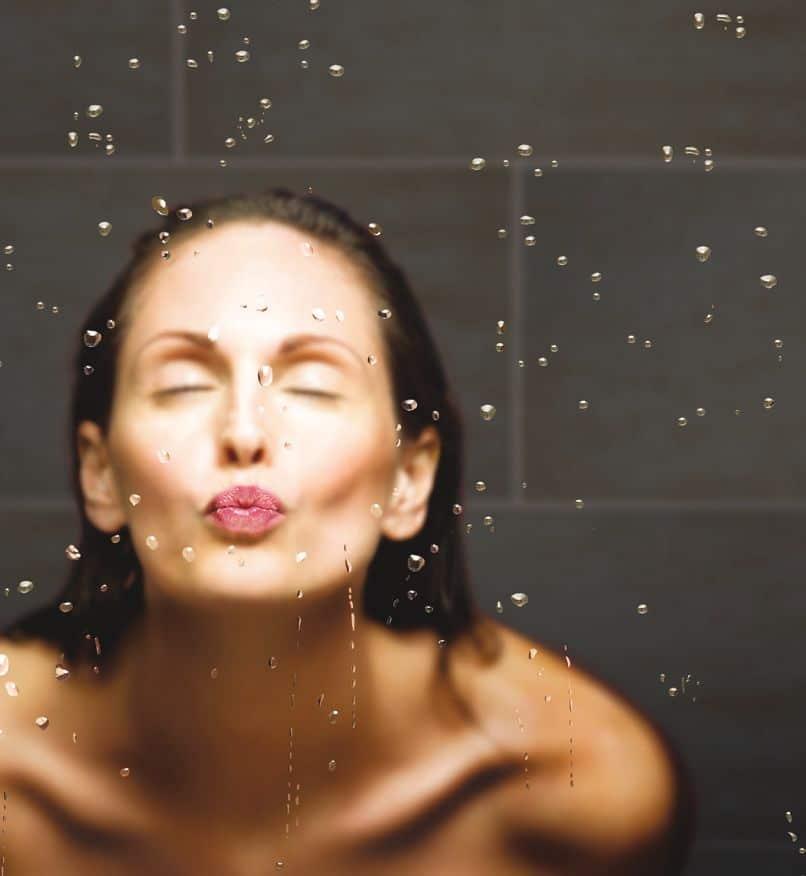 Szkło z powłoką do kabin prysznicowych